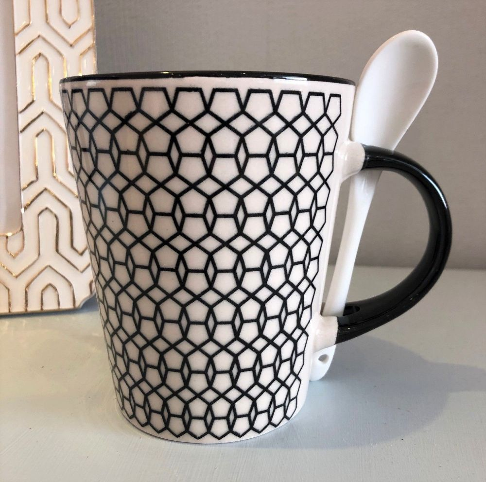 Black Geometric Design Ceramic Mug with Spoon